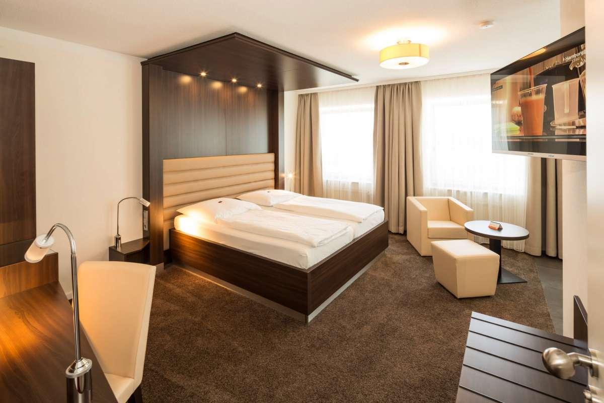 Doppelzimmer mit Whirlpool   Hotel Windsor   Heikotel